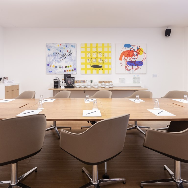 L42_brussels_space_home_Link02_boardroom