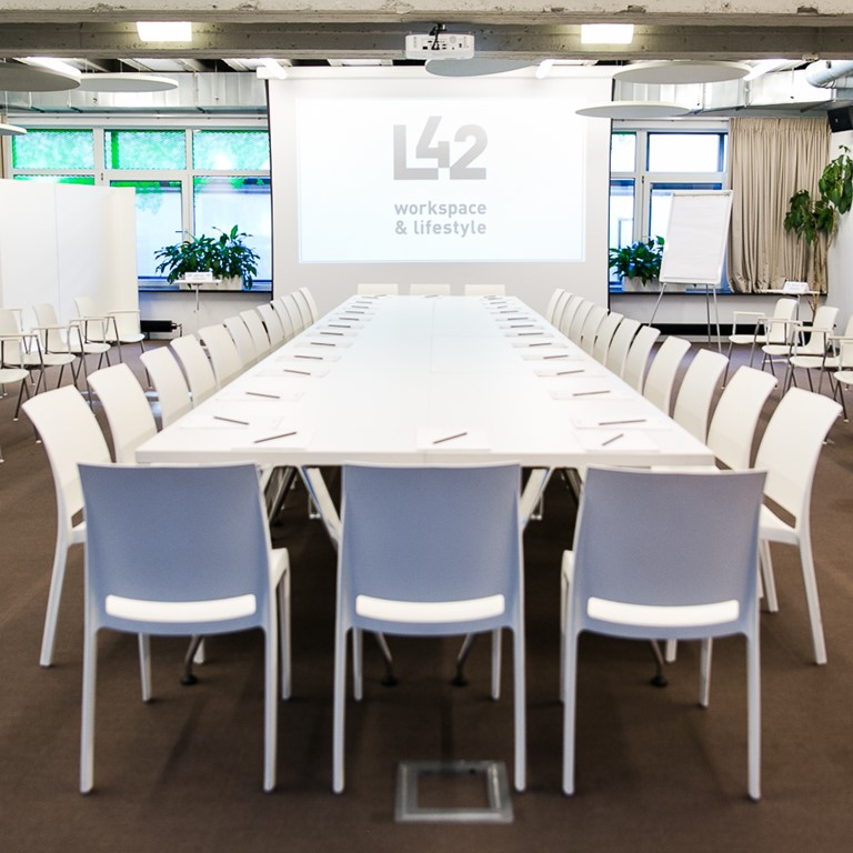 L42_brussels_live_boardroom_home